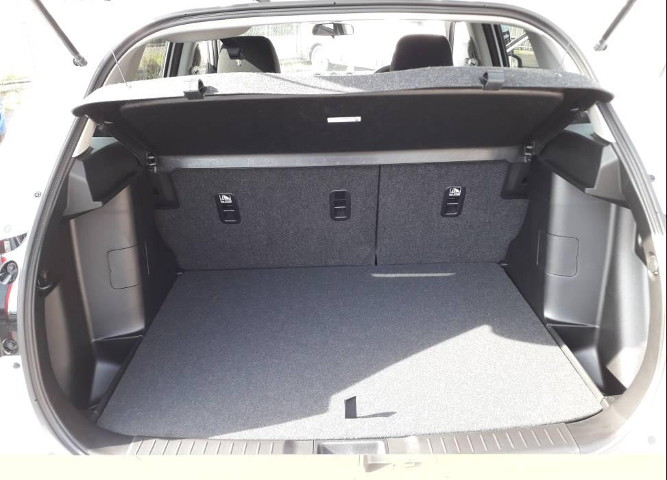 Duncan self drive suzuki vitara car hire boot