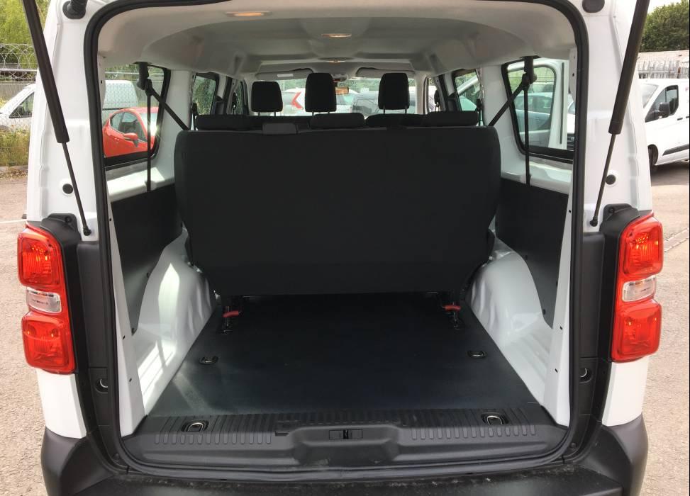 Vivaro minibus boot