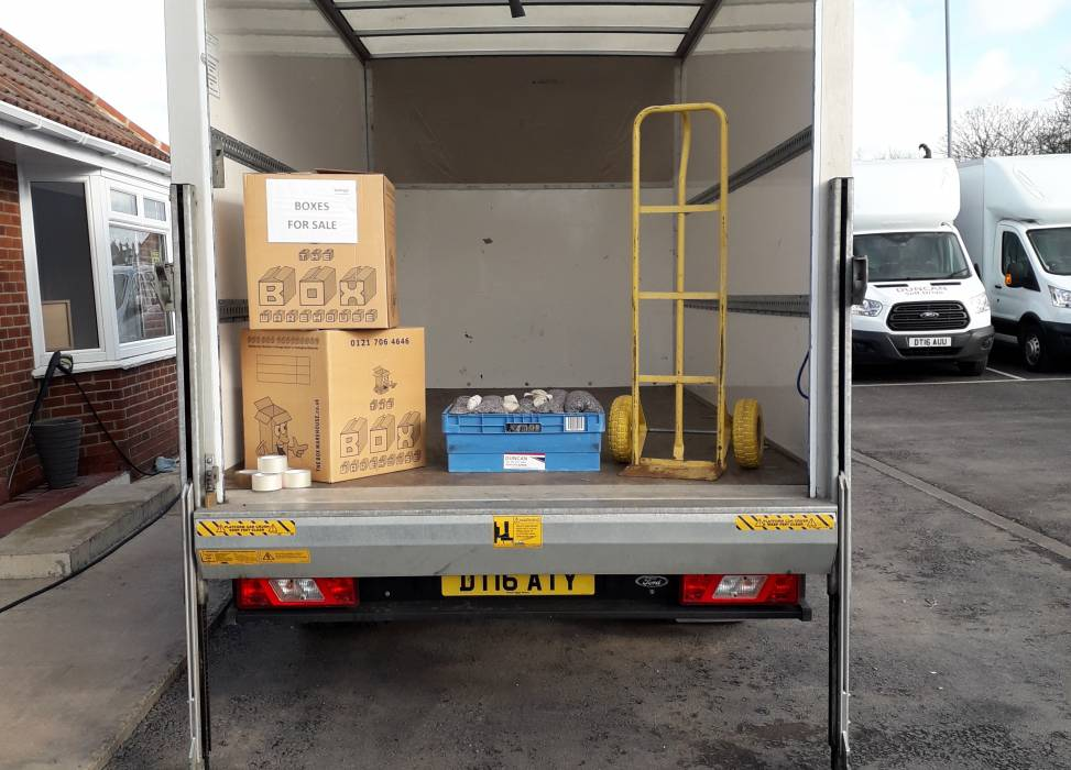 Duncan self drive ford luton removals for hire for rental